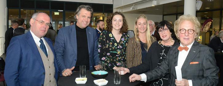 Leerstoel Duurzame Samenleving 2019-2020: B.U.C.-studieadviseur Ton Veldman en genodigden van het B.U.C. met prof. Anton van der Geld