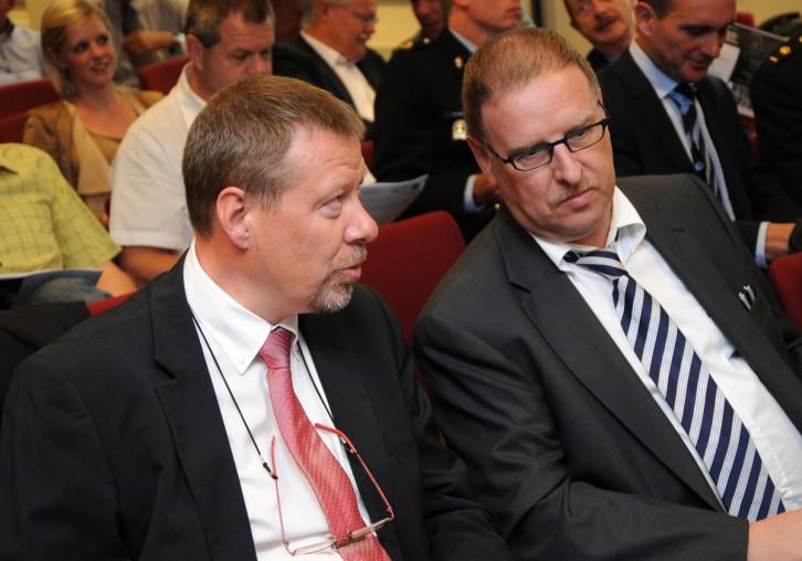 Procureur des Konings H. Dams, Antwerpen en Kabinetschef Justitie J. Poels, Brussel
