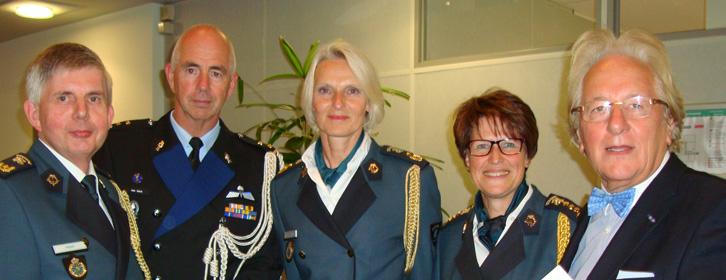 Douane, KMar en BUC samen op de foto bij de benoemingen van mevr. drs. J.J. Bruer RA en H.A.M. Maas RA